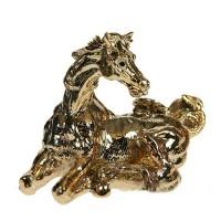 Лошадь символ года золото